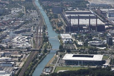 Wolfsburg entlang des Mittellandkanals