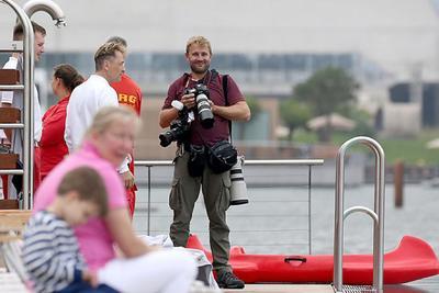 Beim Drachenbootrennen um den The Ritz-Carlton-Cup