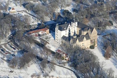 Das Wolfsburger Schloss im Schnee